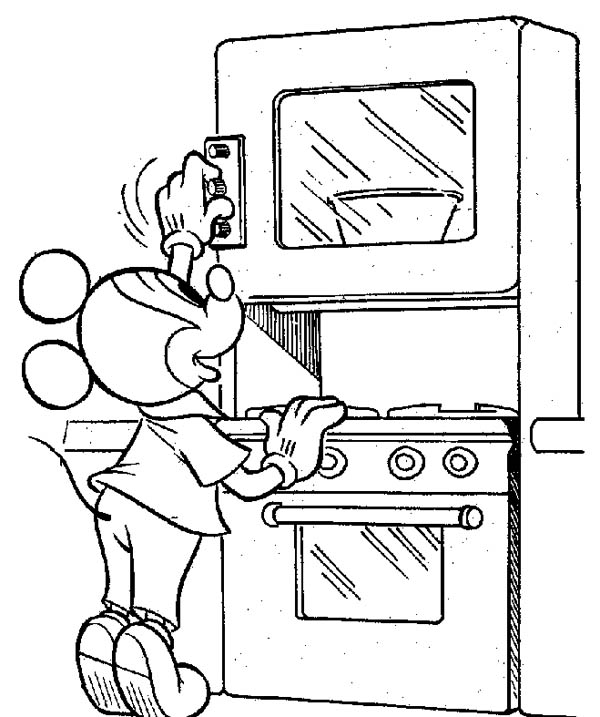 Mickey Mouse, : Mickey Mouse Cooking a Cake Coloring Page