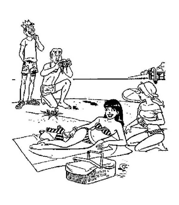 archie and friends is in vacation on the beach coloring